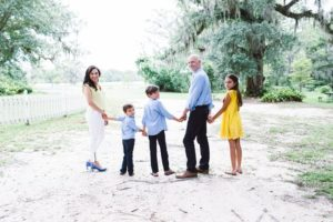 Laura Fuentes Family of 5