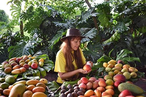 Womens History Month Spotlight - Mango tropical fruit curator