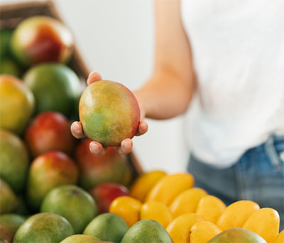 how to choose a mango