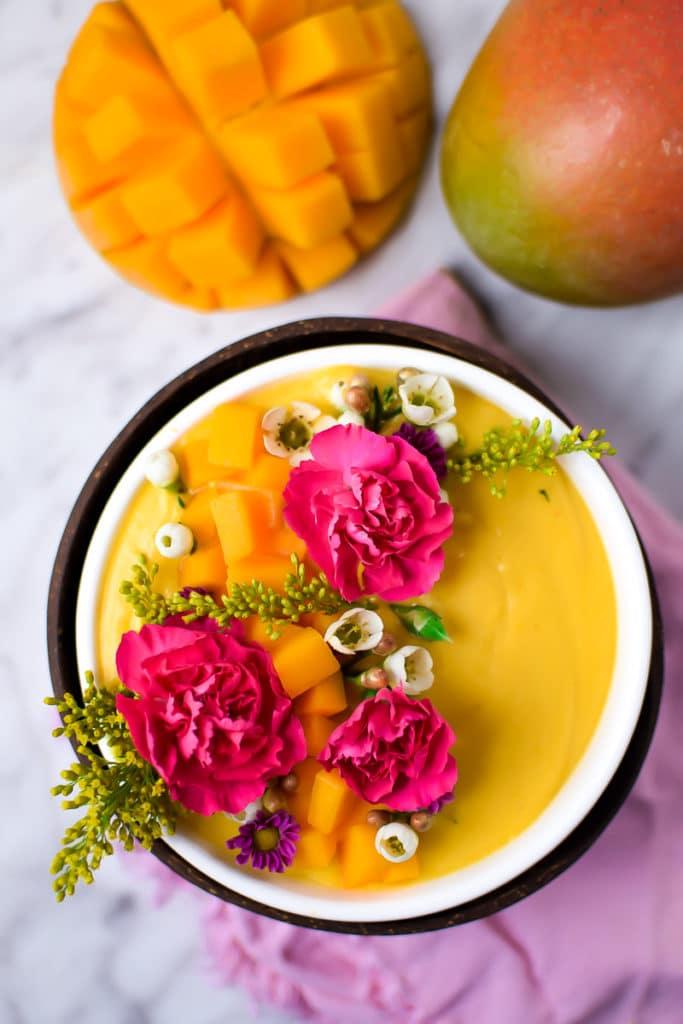 Springtime-Mango-Smoothie-Bowl